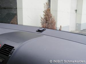 TravelControl Einbau GPS-Antenne im VW Touran