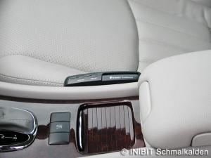 TravelControl Vor Ort Einbau Fahrzeuggerät im Mercedes Benz