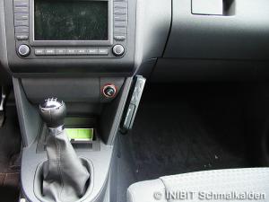 TravelControl Einbau Fahrzeuggerät im VW Touran