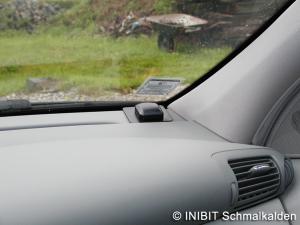 TravelControl Einbau GPS-Antenne im Mercedes Benz